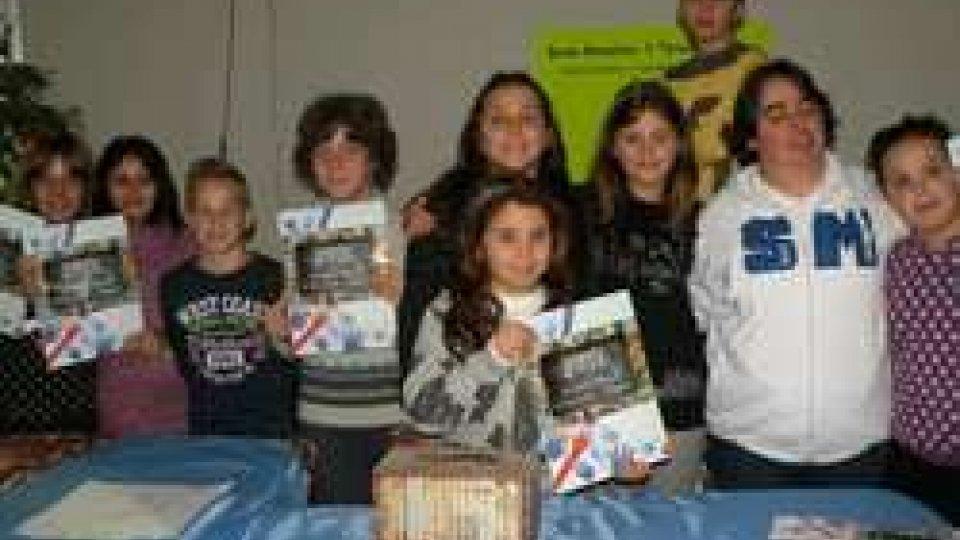 """Gli alunni della scuola elementare di Dogana """"IL TORRENTE"""" vendono i loro calendari e donano il ricavato alla Fed. Sammarinese Sport Speciali"""