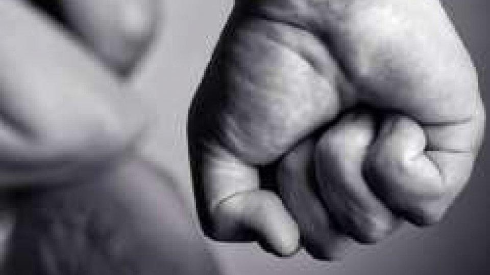 """""""Ti taglio la gola!"""", riminese 35enne arrestato per minacce all'ex moglie"""