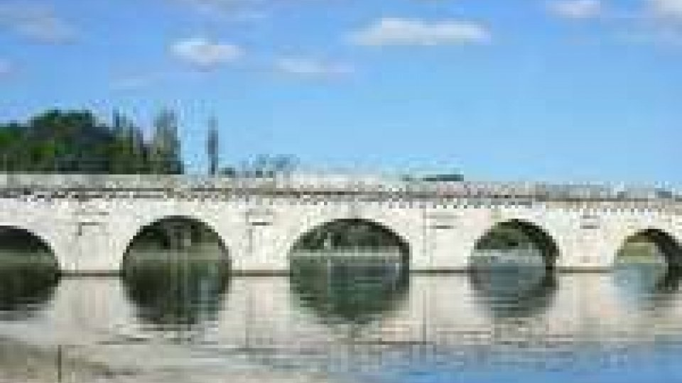 Ponte di Tiberio senza auto dal 2014, dopo 2000 anni