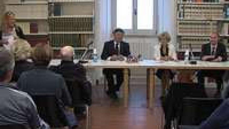 """""""Ponti di Parigi"""": presentato il volume di Antonio Stolfi davanti al Console di Francia presso San Marino"""