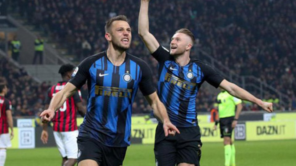 Foto ansaDerby: l'Inter vince e sorpassa il Milan
