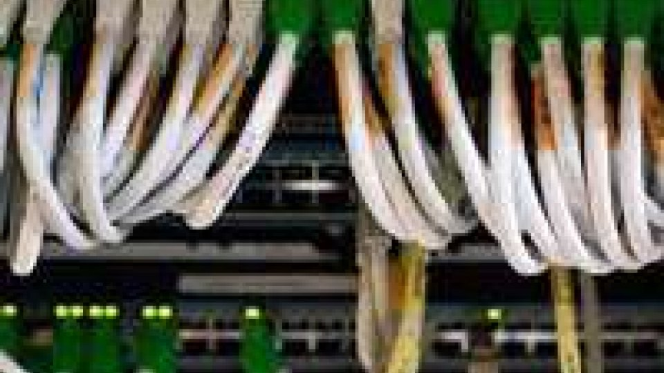 Datagate: 46 milioni di telefonate spiate in Italia in un mese