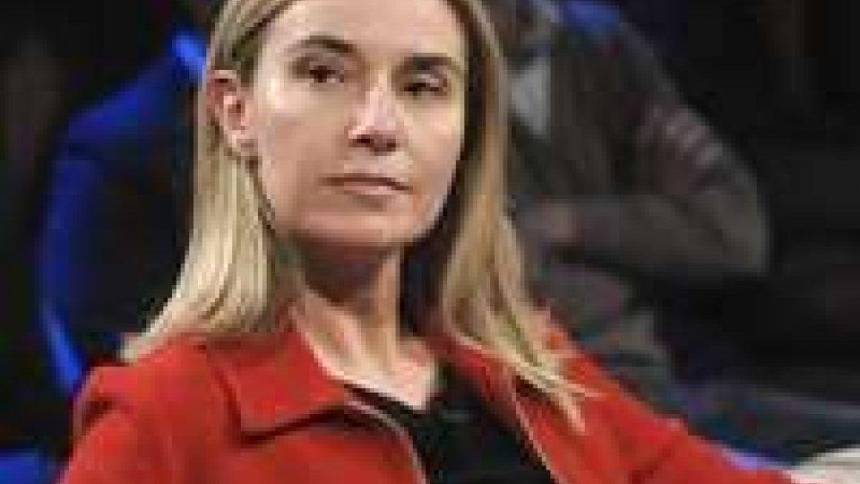 """Ucraina, Mogherini teme guerra civile:""""Evitare di alimentare la tensione"""""""