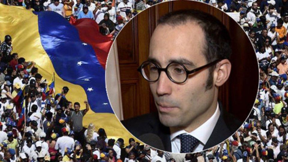 """Nel tondino, il Segretario Nicola RenziVenezuela: San Marino, """"Riceviamo l'auspicio del Papa per una soluzione pacifica della crisi"""""""