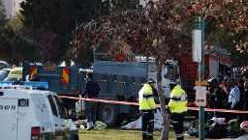 Gerusalemme: con camion travolge gruppo di soldati israeliani, 4 morti