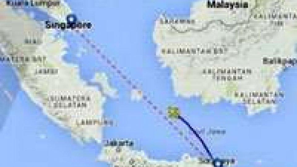 """Aereo malese scomparso, per i soccorritori sarebbe """"in fondo al mare"""""""