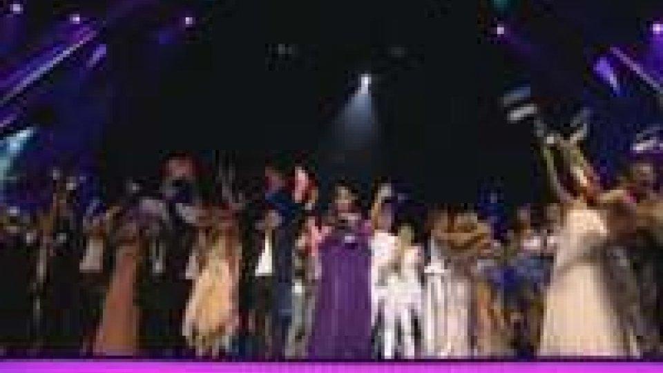 Eurofestival 2013, prima semifinale: passano le favorite Danimarca e Olanda, delusione per la Serbia
