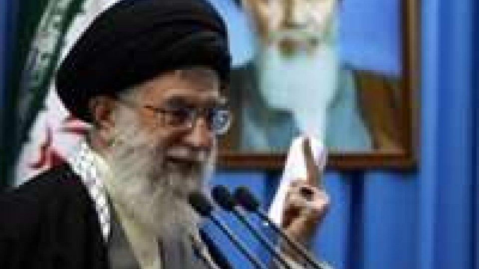 """La guida iraniana Khamenei: """"Se volessimo la bomba la faremmo"""""""