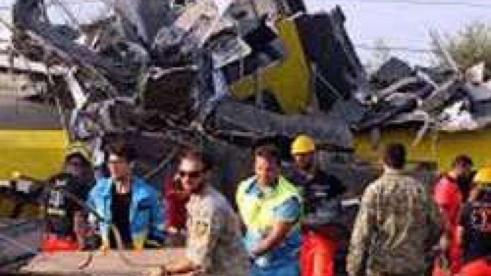 Scontro tra treni in Puglia: sale il bilancio delle vittime. Probabile errore umano