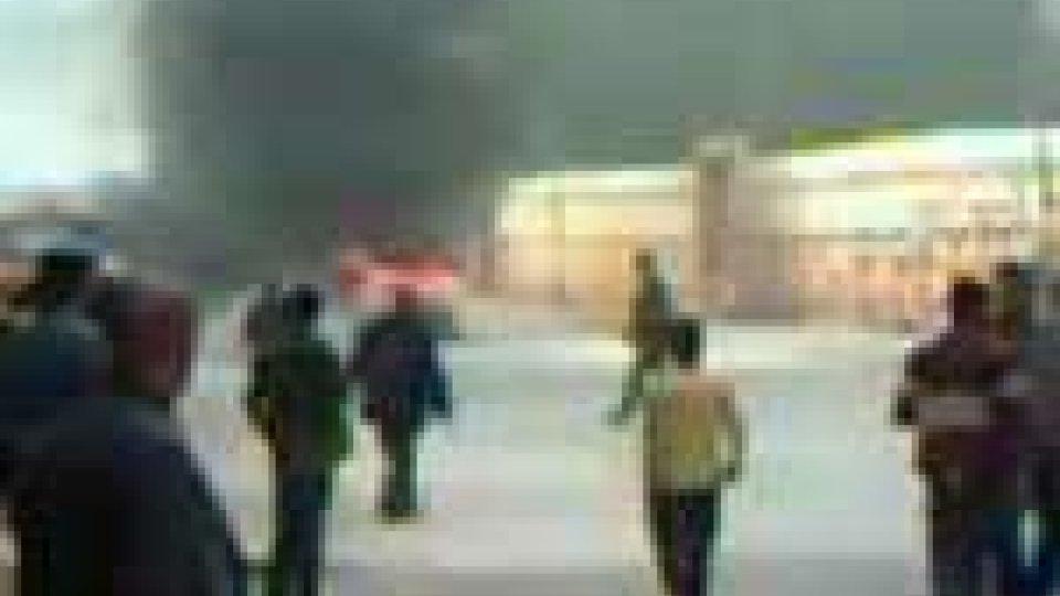 Libia: prosegue il massacro, bombardata Zawia