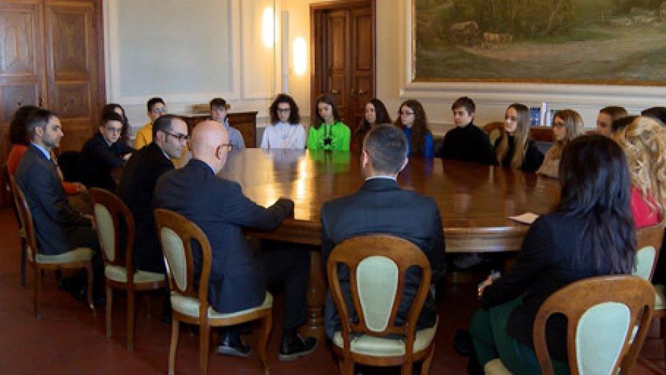 l'incontro del Segretario Renzi con gli studentiScambio culturale internazionale: l'incontro del Segretario Renzi con gli studenti tornati da Vienna