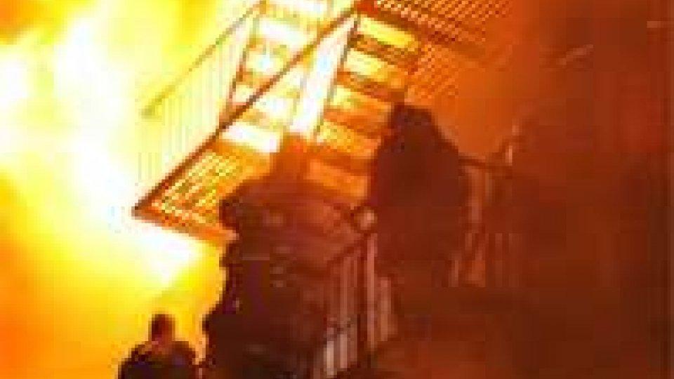 Gigantesco incendio a Brooklyn