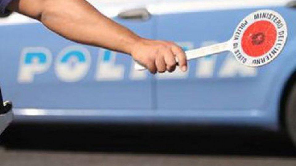 Rimini: ruba un'auto e tenta la fuga verso San Marino, 20enne deve rispondere di tentato omicidio