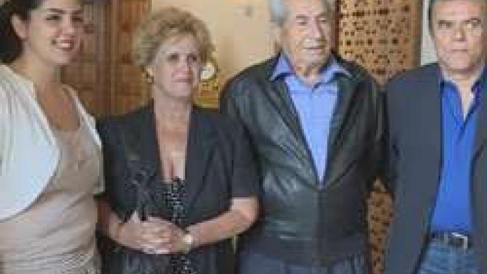 Yamila Pita con gli esponenti Su
