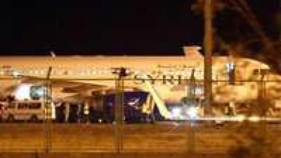 F16 turchi costringono aereo siriano all'atterraggio