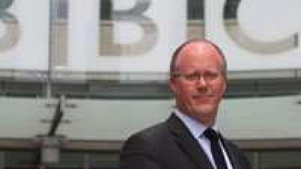 Cameron: Bbc può superare crisi, non deve mollare