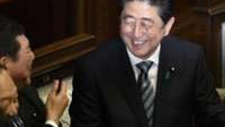 Giappone, il Parlamento rielegge Shinzo Abe premier