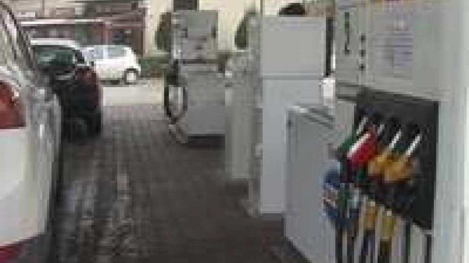 San Marino: i gestori dei distributori di carburanti sospendono la protestaSan Marino: i gestori dei distributori di carburanti sospendono la protesta