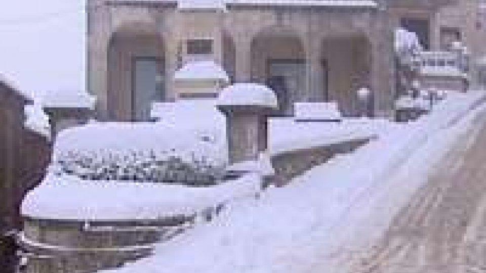 Neve: deboli perturbazioni, peggiora nel pomeriggioNeve: deboli perturbazioni, peggiora nel pomeriggio