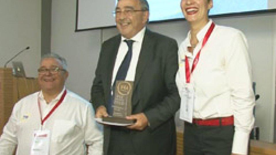 Il Segretario Michelotti ha ritirato il premioSan Marino premiata come miglior destinazione accessibile