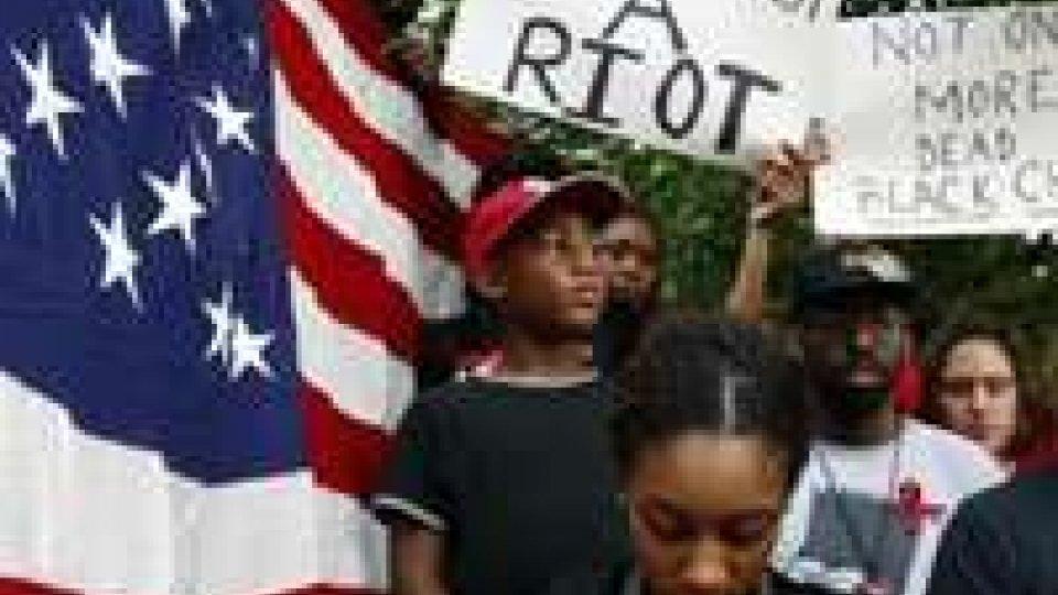 """Usa: 18enne nero ucciso da poliziotto a St. Louis. Cnn online: """"Aveva puntato l'arma contro l'agente"""""""