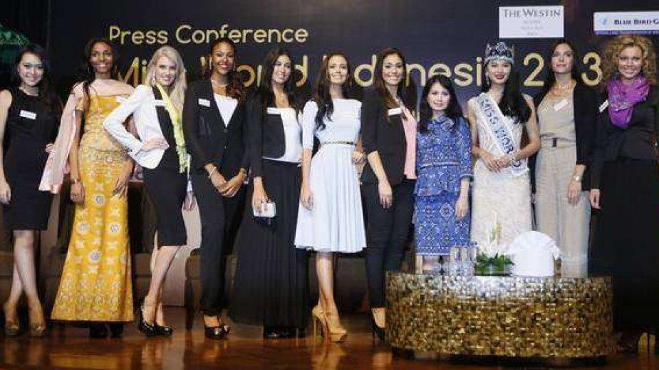 Bali: minacce islamici per Miss Mondo