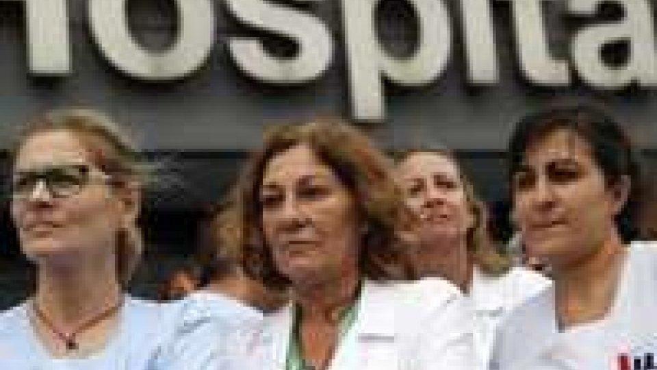 Ebola: quattro ricoverati a Madrid, tre casi sospettiEbola: quattro ricoverati a Madrid, tre casi sospetti