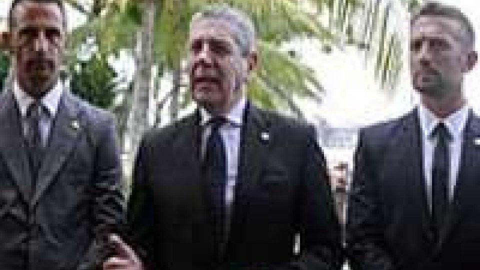 Marò: ministro Di Paola in visita a Kochi