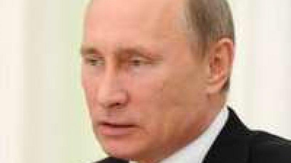 Russia: ok di Putin a legge contro propaganda gay davanti a minori