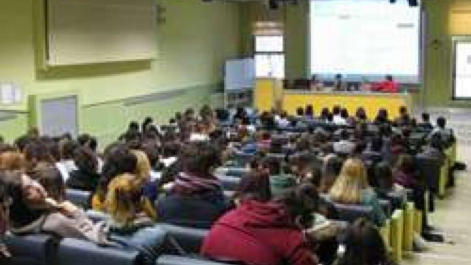 """Unibo: campus Rimini, Open day """"farsi una idea per scegliere il futuro"""""""