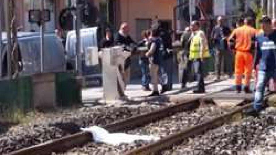Bellaria, muore travolto dal treno per salvare il caneBellaria, muore travolto dal treno per salvare il cane
