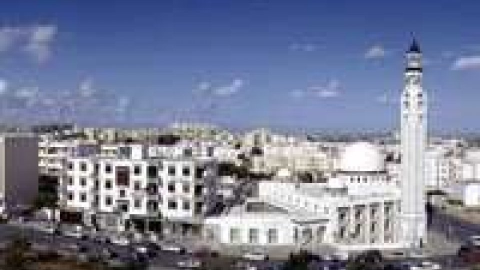 Tunisia: si paga per uscire
