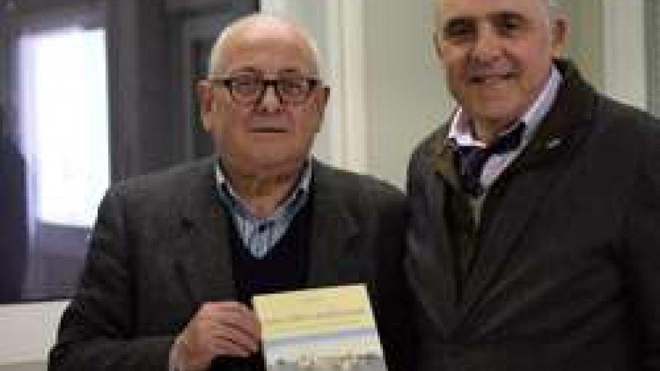 Sergio Fabiani e Marino RostiChiesanuova nelle Marche: donati 4mila euro al comune di Montegallo (AP)