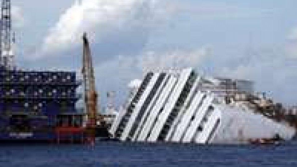 Concordia: Costa patteggia per un milione di euro