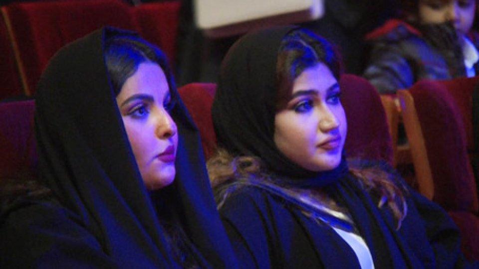 Emirati ArabiEmirati Arabi: si accende il dibattito intorno alla maternità