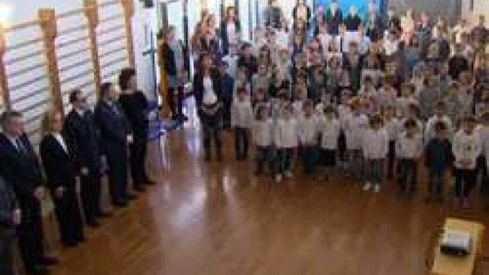 Reggenza: visita nelle scuole per gli auguri di NataleReggenza: visita nelle scuole per gli auguri di Natale, le immagini della seconda mattinata