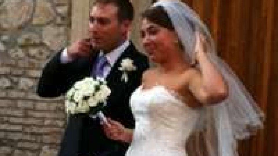 Gli sposi all'uscita dalla chiesa