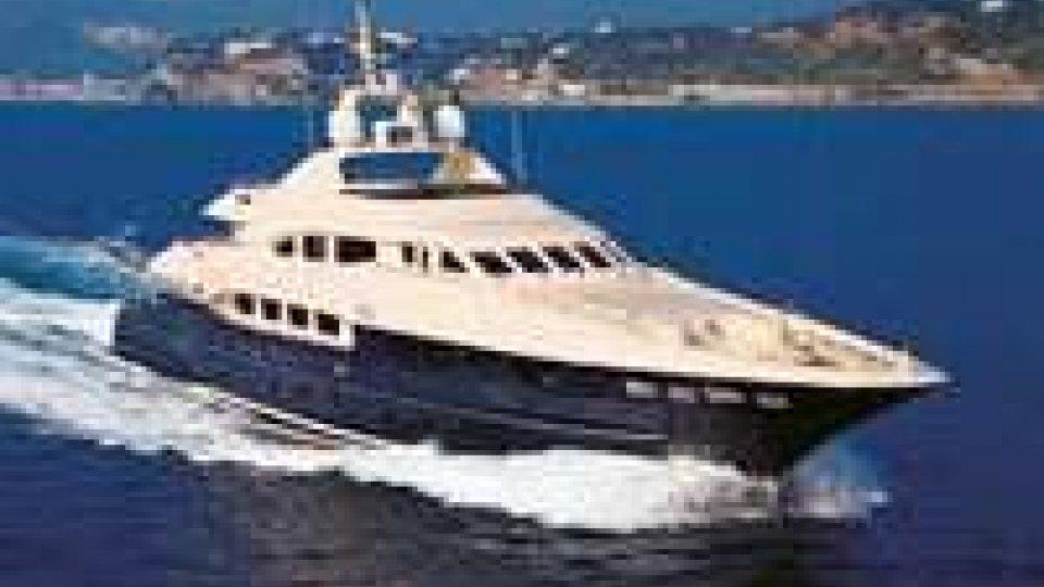 Yacht noleggiato a San Marino si schianta a Brindisi: un morto
