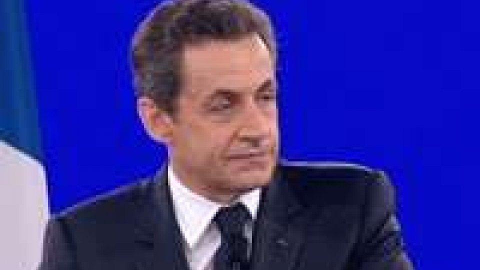 Colpo di scena in Francia, Sarkozy supera Hollande