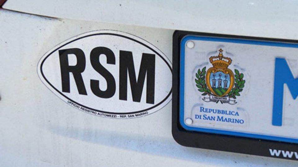 Targhe RSMCaso targhe: 'fuga' di veicoli da San Marino, radiazioni in aumento e calo d'affari per le assicurazioni