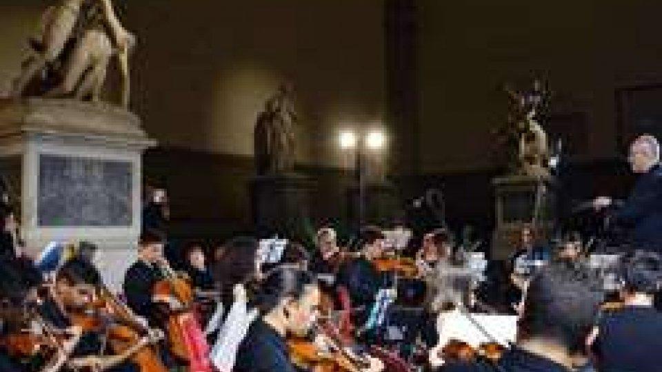 Orchestra giovanile a FirenzeL'arte sammarinese in piazza della Signoria, con i giovani dell'Istituto musicale