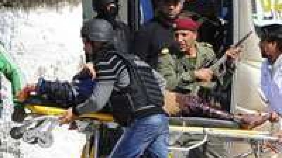 """Strage in Tunisia, Gentiloni: """"Due italiani morti e due dispersi"""""""
