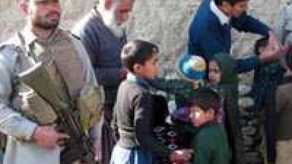 Pakistan: uccisi due volontari antipolio