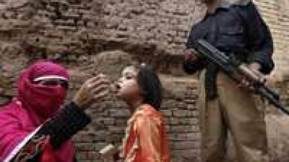 Pakistan: vaccinazioni anti-polio, rapiti 11 insegnanti