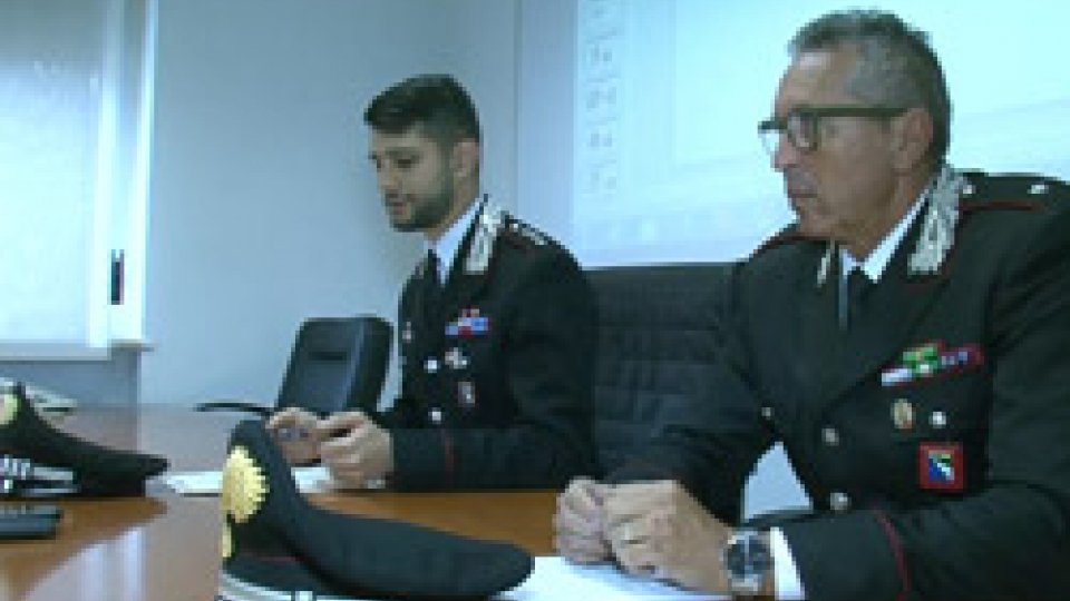 Conferenza stampa CarabinieriRimini: fidanzati e rapinatori, presi 'Bonnie e Clyde' del circondario