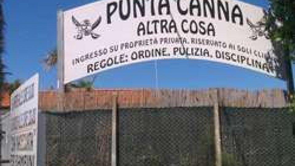 Il cartello d'ingresso della spiaggia