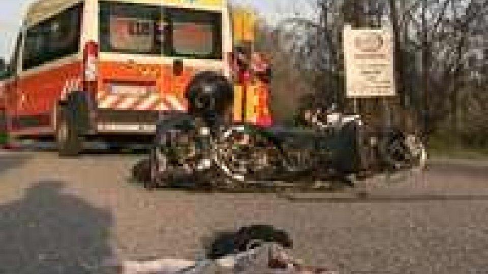 Incidente Rovereta: in prognosi riservata il 21enne sbalzato dalla moto