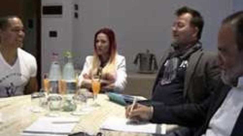 """RTV """"Siamo due spiriti della notte"""" dicono Monetta e Wilson, candidati a vincere l'Eurovision per San Marino"""