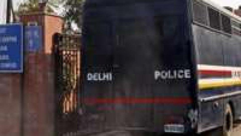 India, autobus nel fiume: 19 morti