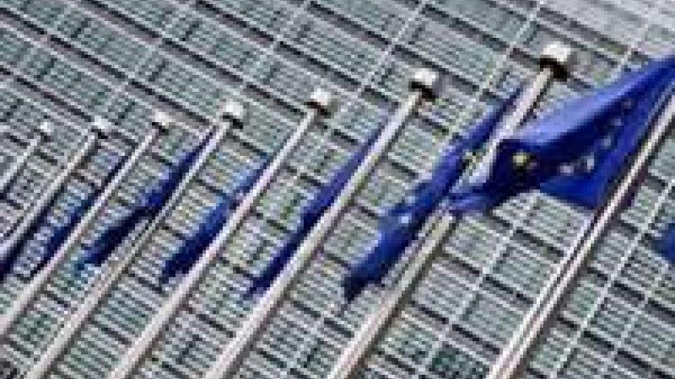 Eurozona: Commissione rivede stime al ribasso